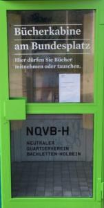 Es gibt eine neue Bücher – Telefon – Kabine in Basel